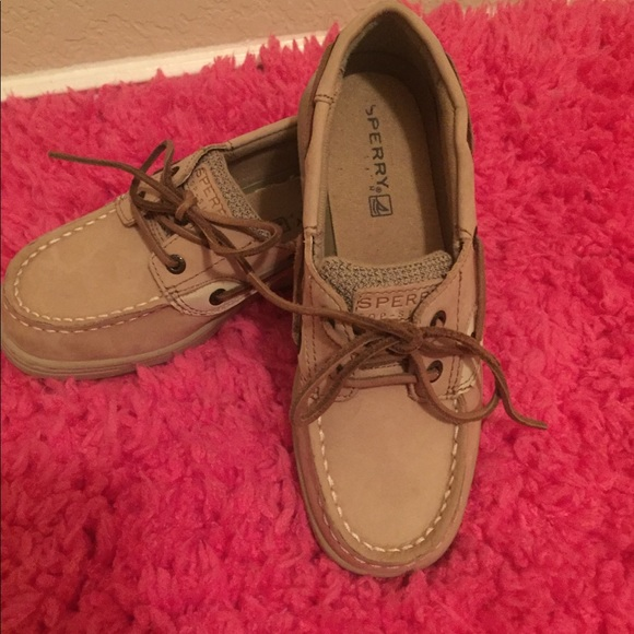32cf9aaa84 Sperry Top-Sider Girls Size 1.5. M 5b68fdadfb3803c8913fa4bc